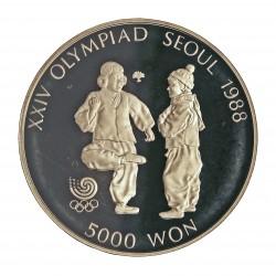 Corea del Sur 5000 Won. 1987. AG. 16,81gr. Ley:0,925. (Olimp.Seul-Chegi-Kicking). Ø32mm. PRF. KM. 61