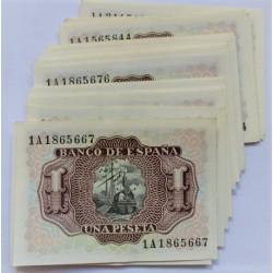 España Lote. 1953. SC. (Se pueden hacer parejas). (32 Billetes de 1 Pts. Serie:1A. CORRELATIVOS en 4 Bloques- Maques de Sta. C